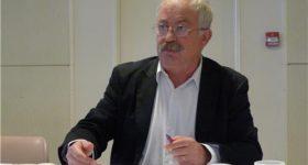 Marc Vuillemot, maire de La Seyne-sur-Mer, questionne les candidats