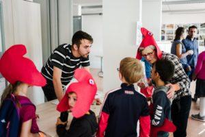 Des enfants découvrent la Fête de la République de Chenôve