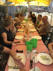 repas de chantier avec les habitants et les partenaires
