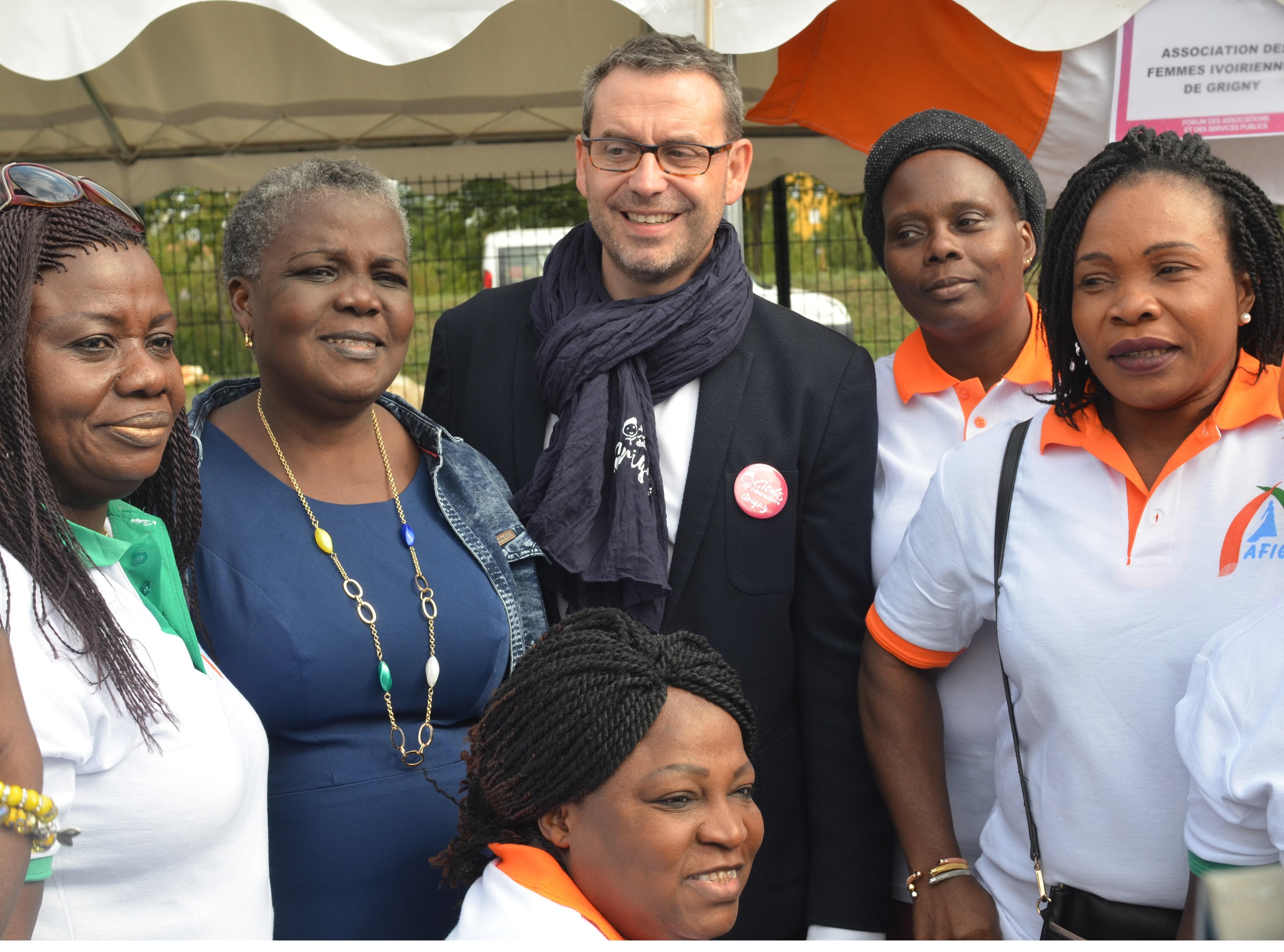 Changer le regard sur les banlieues pour retrouver le goût de vivre ensemble - Édito de Philippe Rio, maire de Grigny (91)